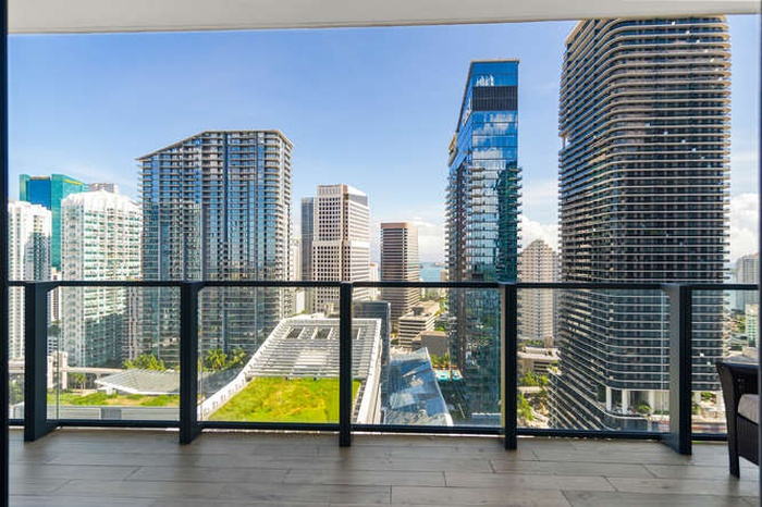 Miami views! 1BR at theRISE at Brickell City Centre!